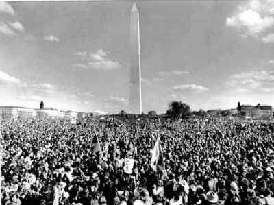 vietnam-protest-monument-ap691115062-af53ebb8d60c3b1de5272373ac6eddaa6617b84f-s6-c30