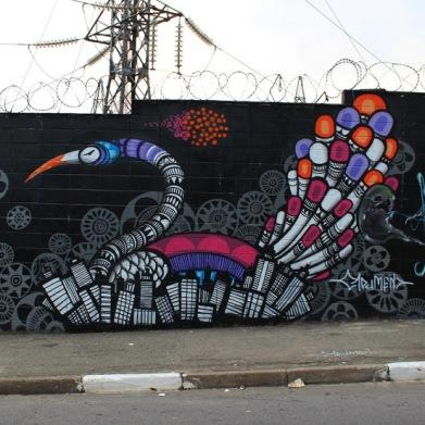 Street art in São Paulo, Brazil, by artust Cadu Mendonca aka cadumen