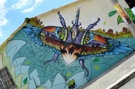 capfest-streetart-in-armenia-colombia-by-artist-rojor