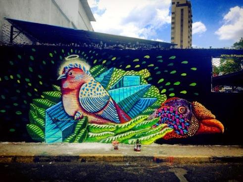 streetart-in-cali-colombia-by-artists-mundoletop-photo-bygrafica-mestiza