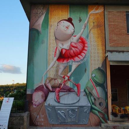 play-of-art-streetart-in-italyby-artist-zed1